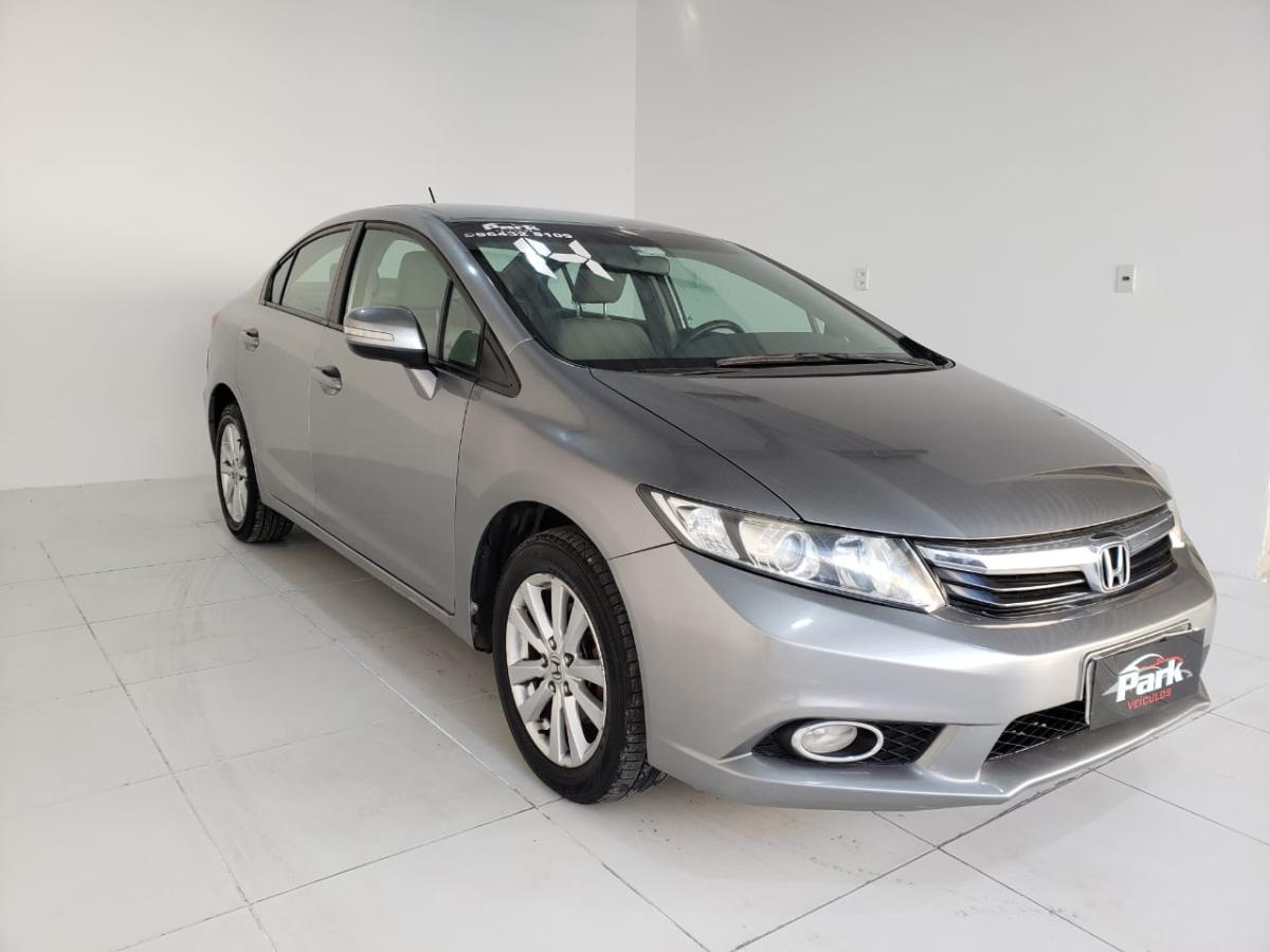 Honda Civic Sedan LXR – 2014 – Cinza