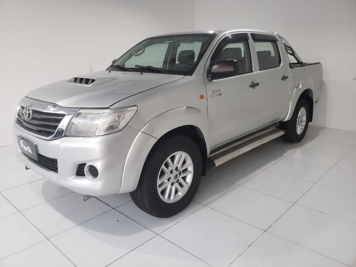 Toyota Hilux CD D4-D 4×4 – 2013 – Prata